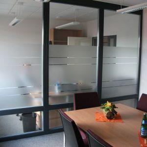 Bürowand in Glasdekor