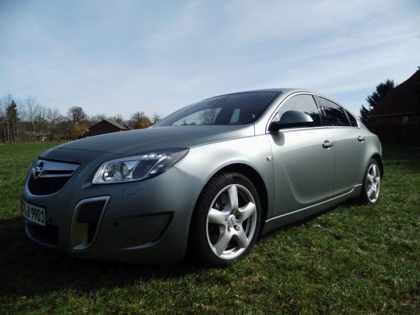 Opel Insignia fertig Foliert