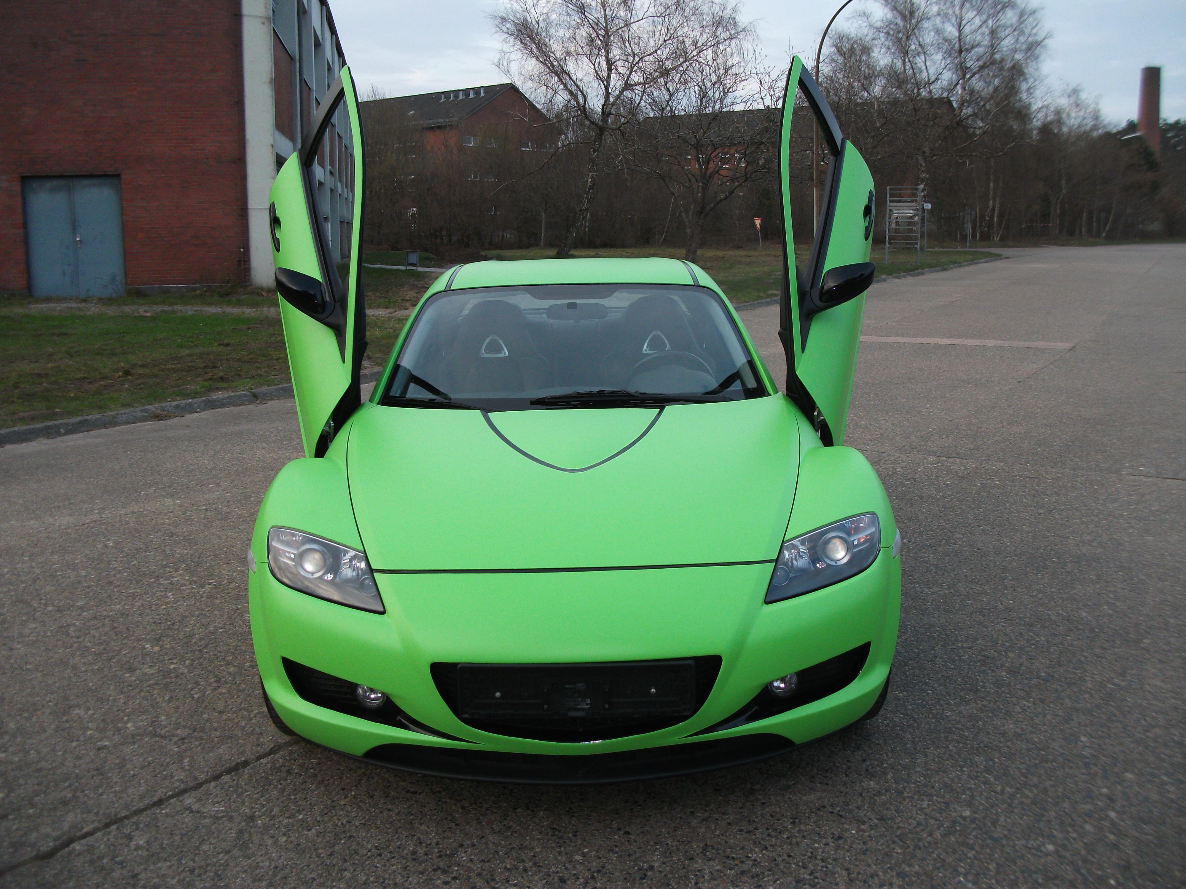 Mazda MX5 in Giftgrün Foliert Carwrap Flügeltüren