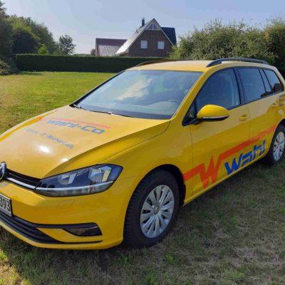 Golf 7 Kombi -Carwrapping- vollfolierungin Gelb mit Wahl Stade beschriftung